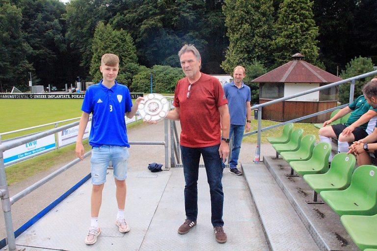 Bremer-Fußball Verband ehrt unsere U17